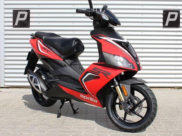 Aprilia SR50 R - rød - 45km/t