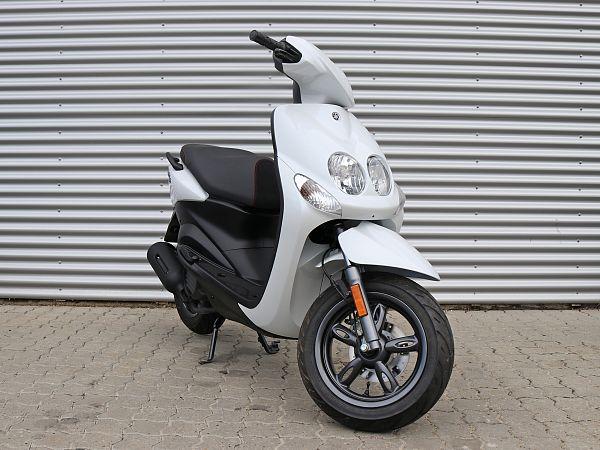 *DEMO* Yamaha Neo's 4 - hvid - 45 km/t