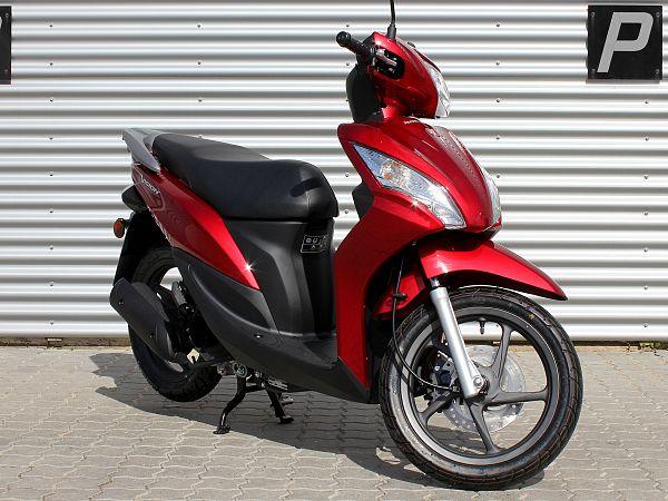Honda Vision - rød - 45 km/t