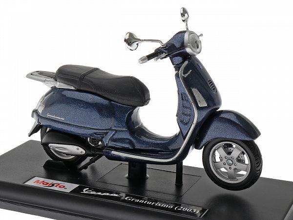 Model - Vespa Granturismo - blue