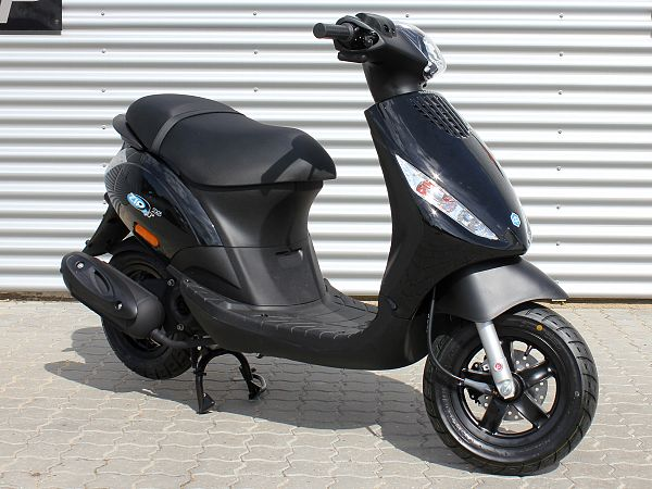 Piaggio New Zip 4-takt - sort - 45km/t