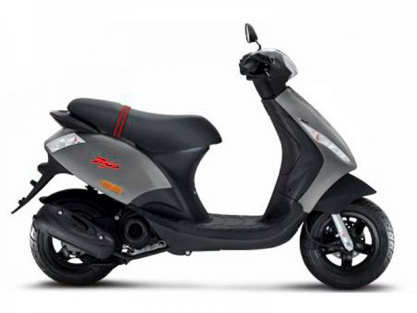 Piaggio New Zip Euro4 4-takt 3V - grå - 30 km/t