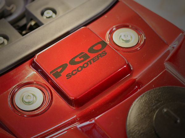 Staffering - PGO Scooters - 7x2 cm, sort